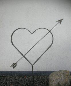 Rustikt hjerte med pil